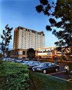 Ramada Plaza Toronto Airport Hotel and Stage West Theatre